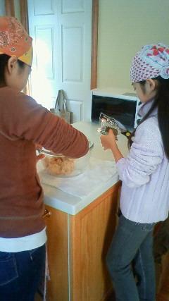 お菓子作り中♪